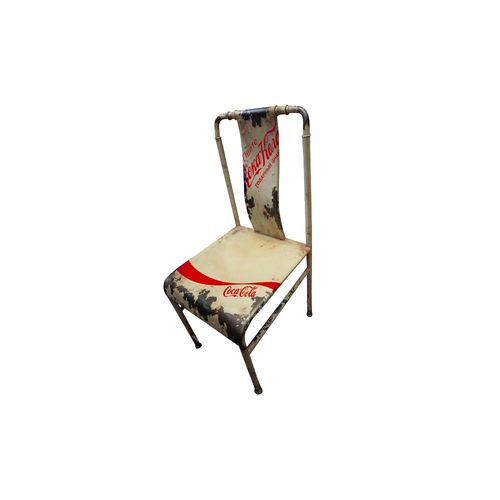 cadeira-ferro-branco-urban-coca-cola-wave-tarantino-cadeira-ferro-branco-urban-coca-cola-wave-tarantino-35206-0png