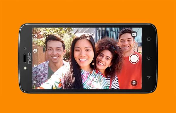 Selfies Motorola Moto C Plus